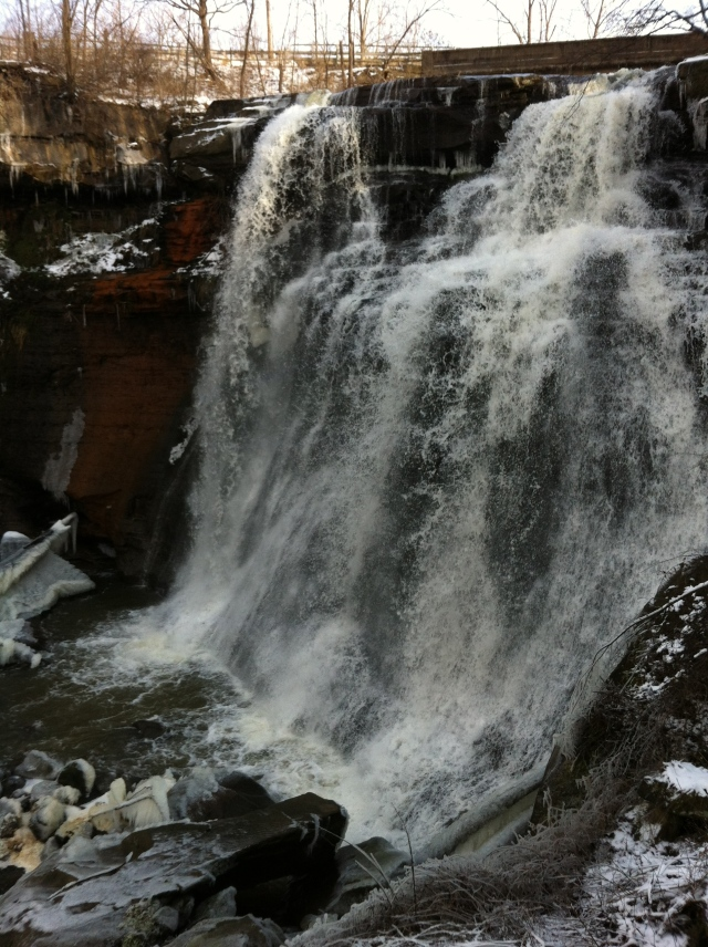 Close-up of the falls.