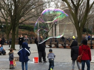 itinerant bubble-blower